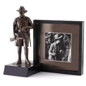 BN50721 - Miniature Figurine Stand and 3D Frame